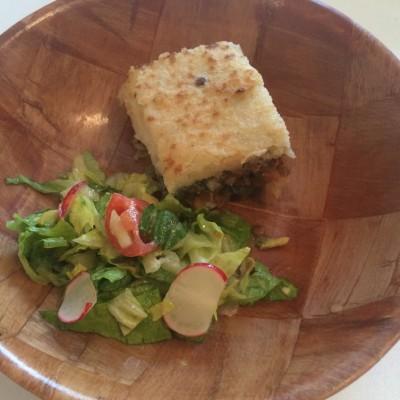 "Brown lentils ""Shepherd's pie"" with fresh salad"